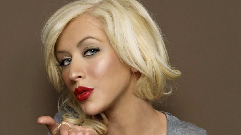 Epic Christina Aguilera Impressions by Willie Evangelista